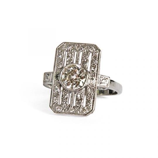 18ct white gold Art Deco Diamond ring