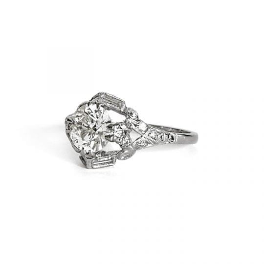 Art deco Brilliant Cut Diamond ring in Platinum