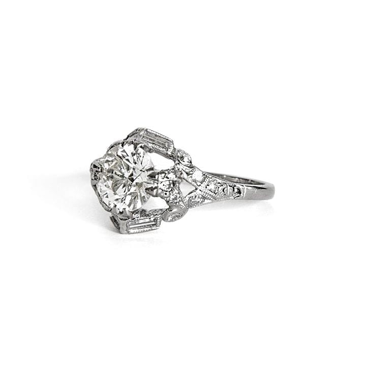 Art deco Brilliant Cut Diamond ring in Platinum